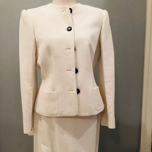 Cream Oscar de la Renta skirt with jacket